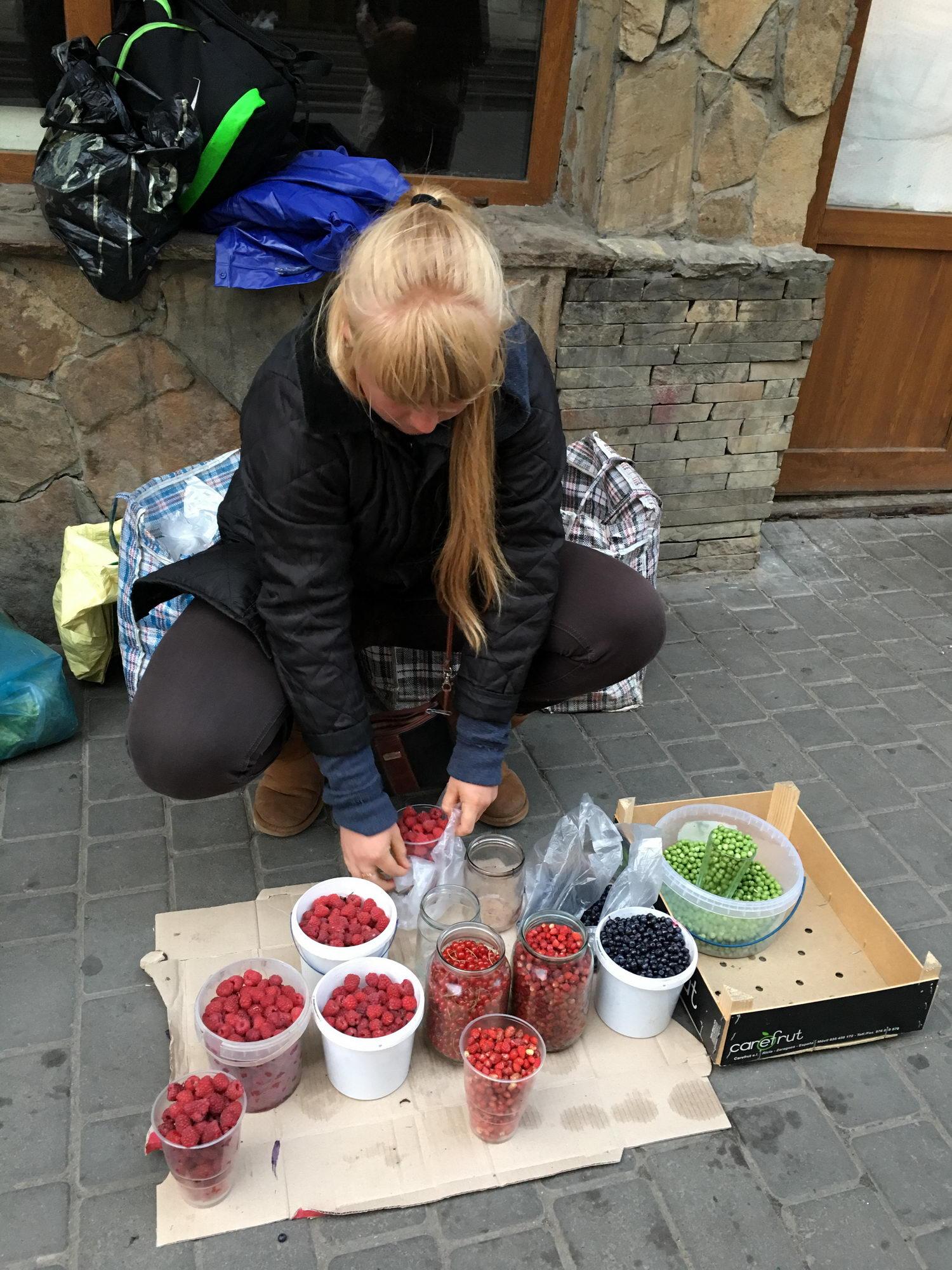 bogata ulična ponudba v Ukrajini