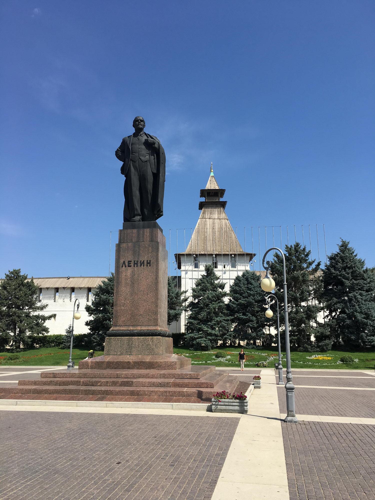 Lenin je živ