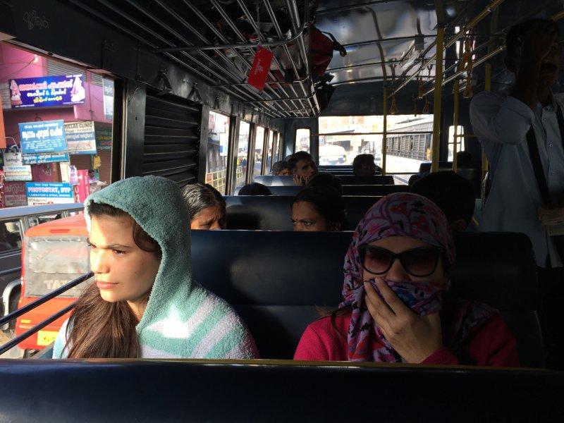 Gneča in smrad na avtobusu