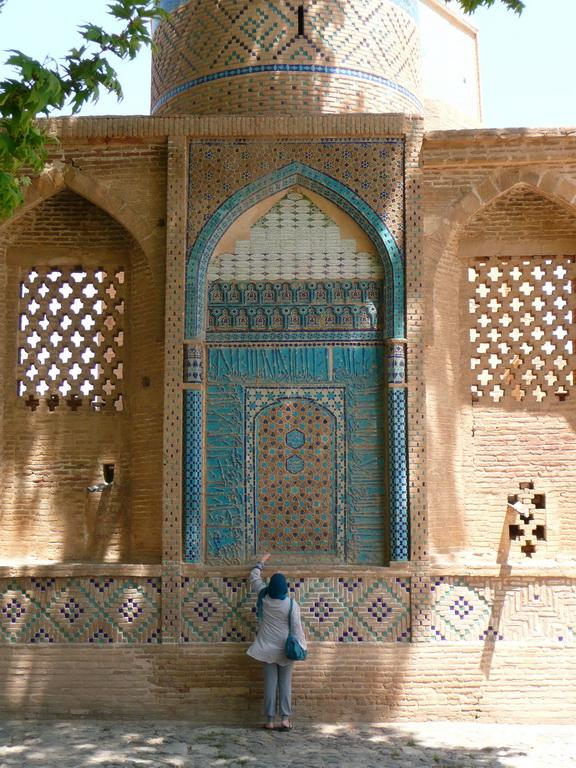 2011-iran_09