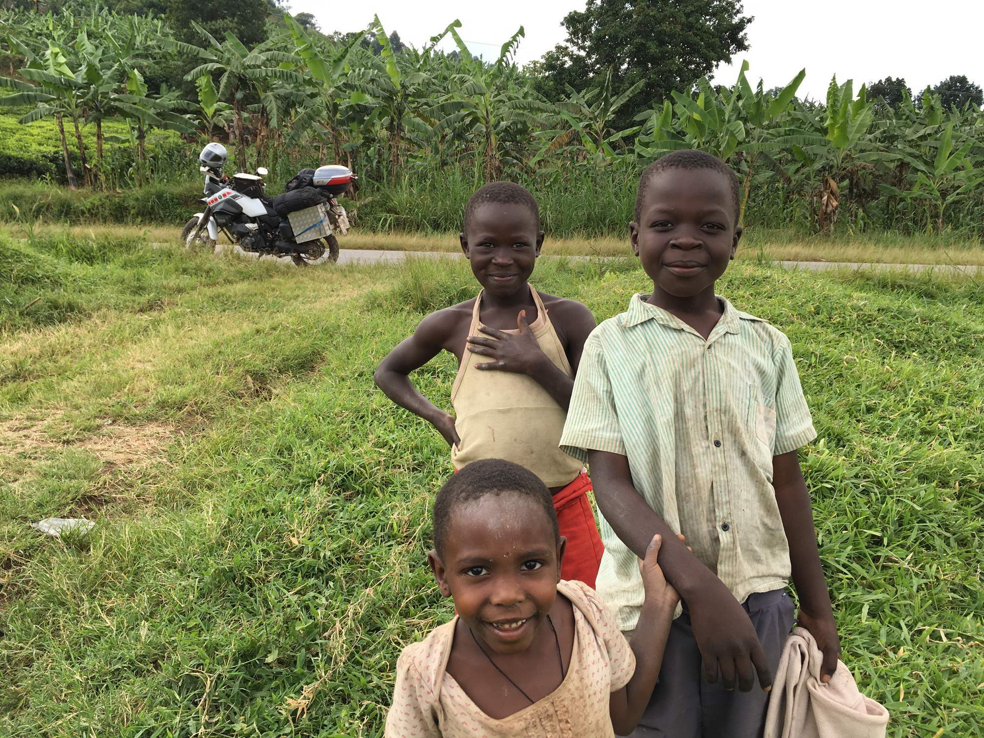 otroci Ruande