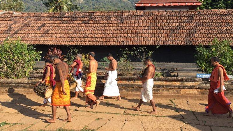 Obred pri templju