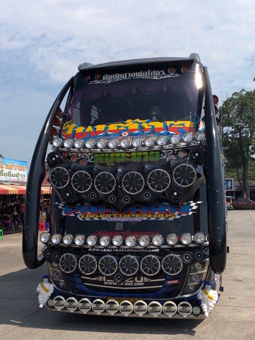 Tajski avtobus