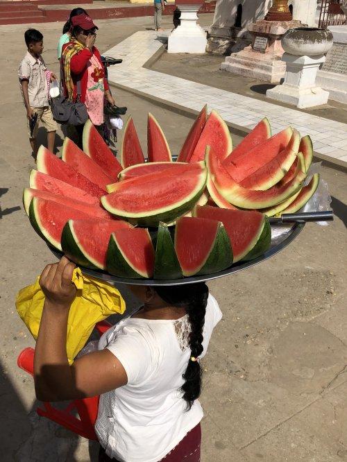 Prodajalka lubenic, Mjanmar